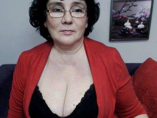 DorisMature live oral sex show