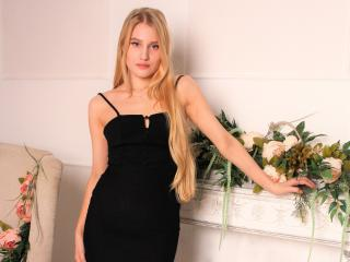 GoldenFlower cam dominatrix