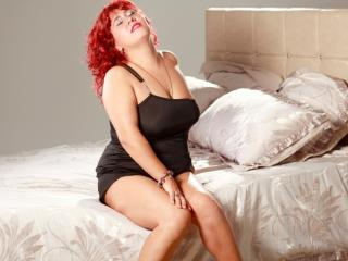 MagnificentDame naughty chat