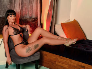 AliceVentura - Cam exciting with this toned body Hot babe