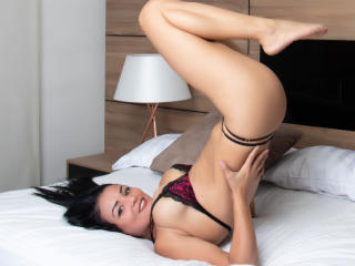 VeronicSaenz - Live cam xXx with this charcoal hair Hot college hottie